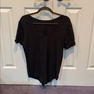 lululemon love t stripped black and charcoal 8